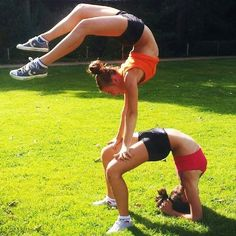 cheerleading. Follow me in my TWITTER @NayviessGarcia y les dare  Follow aqui  :D