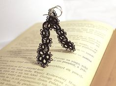 Love these tatted lace earrings