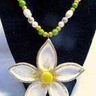 Spring  Daisy Necklace and Pendant Retro Vintage Look