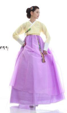Seodamhwa - Wedding Hanbok designed by Song Hye-Mi - Traditional Korean Clothing (photo cropped)