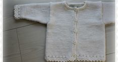 """The """"Ronja"""" cardigan. Knit it in super soft Mio. Knitting For Kids, Baby Knitting Patterns, Baby Patterns, Knitting Ideas, Baby Barn, Baby Sweaters, Baby Kids, Knit Crochet, Textiles"""