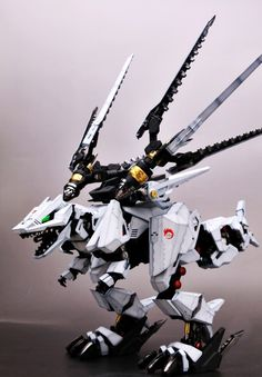 HMM Zoids 1/72 Ez-049 Berserk Fuhrer- Modeled by Livese1