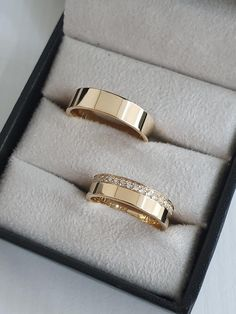Matching Wedding Band Sets, Wedding Rings Sets His And Hers, Unique Wedding Bands, Wedding Matches, Cartier Wedding Rings, Silver Wedding Rings, Wedding Rings Vintage, Engagement Rings Couple, Couple Rings