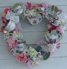 Heart Bone China Teacup Wreath (inspiration or purchase only) Teacup Crafts, Diy And Crafts, Arts And Crafts, Idee Diy, My Cup Of Tea, Wreath Crafts, Door Wreaths, Belle Photo, Tea Party