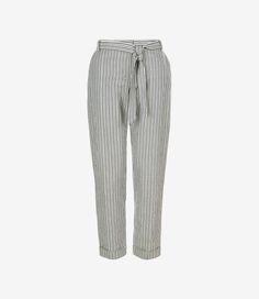 Deze pantalon van People Tree heeft een prachtige pasvorm.