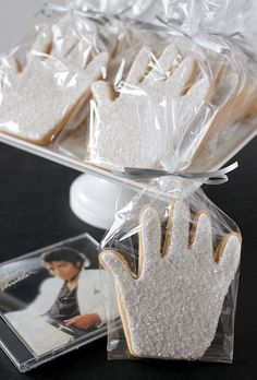 "Michael Jackson Tribute Hand cookies...these are sweet! Could be given as gifts, thanking someone who ""gave you a hand""...helped you move, helped you in the garden, helped with your kids, school volunteers...fun idea"