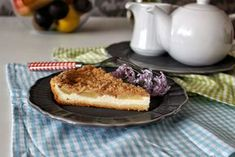 Hruškový koláč s tvarohem a drobenkou | Rozpal pánev! French Toast, Pie, Breakfast, Cakes, Food, Torte, Pastel, Meal, Cake