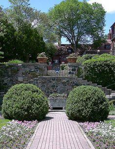 Cranbrook House Grounds