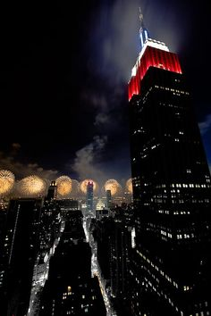 There's nothing quite like NYC on 4th of July - especially the Empire State Building in full patriotic regalia!