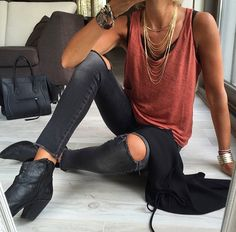 16 Outfits para verte guapísima con skinny jeans negros - Look - Summer Outfits Mode Outfits, Casual Outfits, Fashion Outfits, Edgy Summer Outfits, Cute Edgy Outfits, Woman Outfits, Club Outfits, Fashion Boots, Looks Street Style
