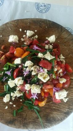 Sweet sweet tamato summer salad! Sweet Sweet, Summer Salads, Bruschetta, Ethnic Recipes, Food, Meal, Essen