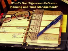 Giftie Etcetera: The Difference Between a Planner and Time Manageme. Planner Journal, Journal Ideas, Printable Planner, Printables, Daily Organization, Time Management Tips, Hobonichi, Day Planners, Planner Ideas