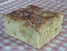 Snickerdoodle Poke Cake with Vanilla Glaze #FlourMeWithLove #snickerdoodle #pokecake