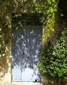 La porte dissimulée, La Romieu, Gers, Midi-Pyrénées, France. | Flickr - Photo Sharing!