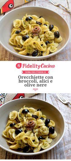 Orecchiette con broccoli, alici e olive nere