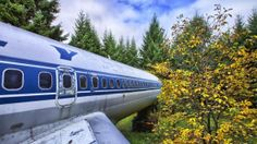 Engineer Converted a Boeing 727 into a Home in the Woods