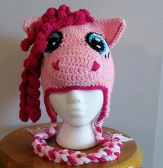 yarneemarmee: Pinkie Pony!  Free Pattern. My girls are gonna be thrilled!!!1