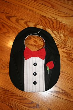 Items similar to Tuxedo Baby Bib on Etsy Quilt Baby, Baby Bibs Patterns, Quilt Patterns, Sewing For Kids, Baby Sewing, Burp Rags, Burp Cloths, Quilting Projects, Sewing Projects
