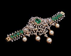 Diamond Pendant, Diamond Jewelry, Gold Jewelry, Jewelery, Diamond Necklaces, Necklace Set, Gold Necklace, Gold Jewellery Design, Salwar Designs