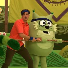 NEW EPISODES THIS SATURDAY!!! So many new friends like Toodee's little brother Keedee, and his cool dude babysitter Matthew Grey Gubler! @gublergram having fun playing tug-o-war at day camp. #yogabbagabba