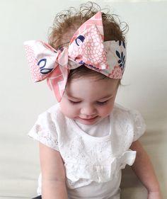 Baby Headwrap tutorial. How to tie a baby Headwrap.