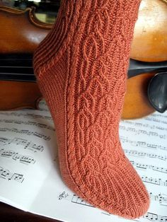 Free - Baroque by Janice Kang (Knitty)