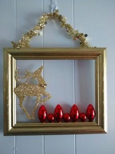 Picture Frame Wreath, Picture Frame Crafts, Christmas Picture Frames, Christmas Frames, Christmas Pictures, Christmas Door Wreaths, Christmas Ornaments, Diy Christmas, Christmas Fashion