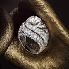 The Midas Touch – Graff Diamonds unveils dynamic design and exquisite diamonds in this captivating cocktail ring, completed this week by our team of designers and Master Craftsmen at the Graff workshop in London. #GraffDiamonds