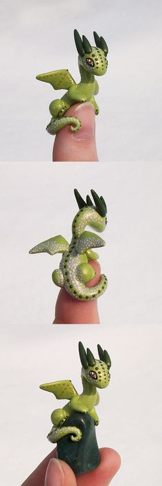 Polymer clay Green 'Thumb' Dragon by KingMelissa on deviantART Polymer Clay Dragon, Polymer Clay Figures, Fimo Clay, Polymer Clay Projects, Polymer Clay Charms, Polymer Clay Creations, Polymer Clay Art, Clay Crafts, Crea Fimo