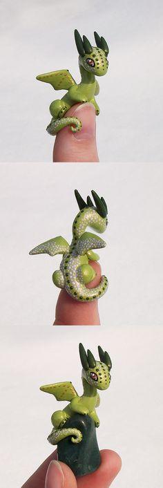 Dragon verde en porcelana fria