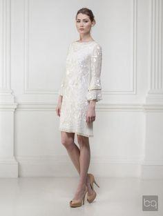 My dream wedding dress... Short, long sleves... Everything I want in a wedding dress