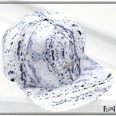 STAMPD blue stone hat. Impossible de choisir entre ces deux casquettes de la marque basée à Los Angeles Stampd / Impossible to choose between these two caps of the brand based in Los Angeles Stampd. 1d1fa.