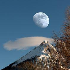 Latemar Dolomites | Photo © Franco via Flickr