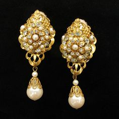Gorgeous Big Romantic Hand-Wired Faux Pearl and Crystal Drop Earrings from Vintage Jewelry Girl!  #vintageearrings #bridalearrings #vintagejewelry