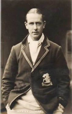 32 Harold Gilligan - 1929, 4-1-0-3. He captained England on their four-Test tour of New Zealandin 1929-30, which England won 1-0. This tour was played simultaneously with another England Test tour to the West Indies where England were captained by the Honourable Freddie Calthorpe.