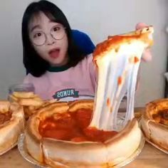 ʚ ♡ ɞ࿐ good morning ☀️ ─ ꒰ dish pizza ꒱ ⠀⠀. Mukbang Korean, Korean Food, Tiny Cooking, Clock For Kids, Cake Decorating Videos, 5 Minute Crafts Videos, Asmr Video, Mini Fridge, Deep Dish