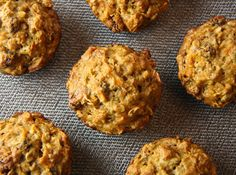 Breakfast Muffins: Oatmeal, carrots, banana & raisins. MmmMmm.
