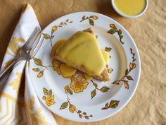 Almond Sponge Cake With Lemon Curd