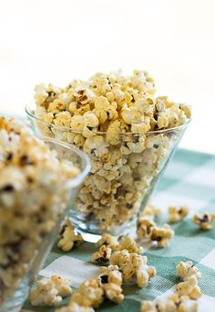 New Mexico Red Chile Popcorn - It's Addicting!   MJ's Kitchen Popcorn Snacks, Flavored Popcorn, Kitchen Recipes, Snack Recipes, Popcorn Seasoning, Honey Butter, Food Goals, Afternoon Snacks, Spice Mixes