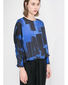 Shop online for wide range of collections from Mango online at Majorbrands.in. For more details visit here: http://www.majorbrands.in/Mango-Store.html or call on 1800-102-2285 or email us at estore@majorbrands.in.