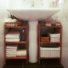 Space-Efficient Bathroom Storage Ideas to Keep Your Bathroom Organized bathroom storage ideas; bathroom storage ideas for small spaces; bathroom storage ideas for small spaces; Space Saving Bathroom, Small Bathroom Storage, Bathroom Organisation, Organized Bathroom, Dyi Bathroom, Small House Storage Ideas, Small Apartment Storage, Remodel Bathroom, Small Space Bathroom