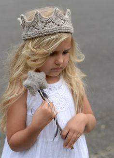 Imagine Set Knitting pattern by The Velvet Acorn - Stirnband stricken Knitting Patterns Free, Knit Patterns, Free Knitting, Baby Knitting, Diy Tricot Crochet, Crochet Hats, Knitting For Kids, Knitting For Beginners, Velvet Acorn