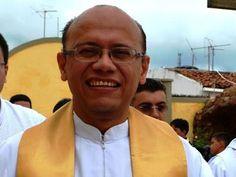 Padre é preso pela Polícia Civil no Crato acusado de abusos sexuais contra crianças: ift.tt/2dRAubA