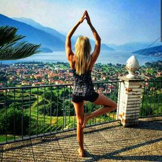 Had to show you this fantastic picture from a yoga session on the terrace of the holiday apartment at Lake Como  awesome view!  Love this pic!  Have a nice start into the day  Muss euch nochmal das Bild von meiner Yoga Session auf der Terrasse meiner Ferienwohnung am Comer See zeigen mit fantastischem Ausblick ich mag das Bild.  Wünsche euch einen tollen Start in den Tag  #lakecomo #selfie #yoga #workout #pilates #traveltip #travelblog  #sport #goodmorning #fitness #girl #italien #lake…