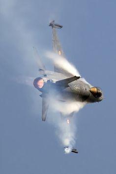 Remove Before Flight, fullafterburner: F-16 Falcon