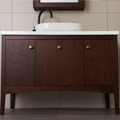 900 Madison Vanity 1 Door & 1 Drawer with Internal Cosmetic Drawer Contemporary Style, Modern, Mirror Cabinets, Cabinet Styles, Traditional Design, Basin, Drawers, Vanity, Cosmetics