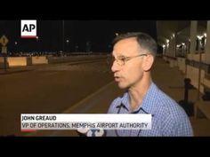 ▶ Unruly Passenger Forces Emergency Landing - YouTube