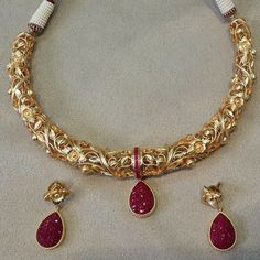 Antique Jewellery Designs, Gold Jewellery Design, Gold Jewelry, Fancy Jewellery, Thread Jewellery, Gold Earrings, Jewelery, Gold Necklace, Indian Jewelry Sets