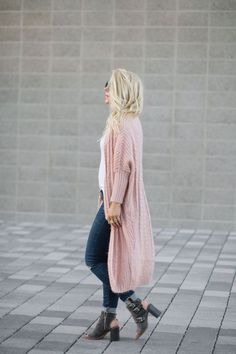 COCOON CARDIGAN| DENIM | BOOTIES (similar) | GLASSES | CURL WAND 3 things on my mind… 1.While working on upcoming post for Last Call, I found this top of mine …