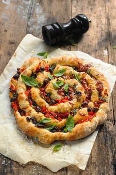 Mais pourquoi est-ce que je vous raconte ça... Dorian cuisine.com: Et si aujourd'hui je me torsadais la pizza ??? Pizza torsadée jambon et tutti quanti !